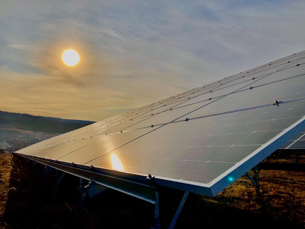 три солнечные электростанции